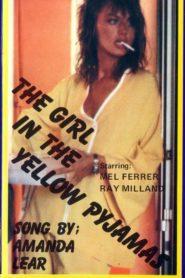 Sarı Pijamalı Kız